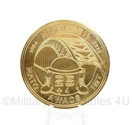 Nederlands Leger NATO AWACS metalen coin Nijmeegse vierdaagse 1984-2013 Thanks for your support! - diameter 6 cm - origineel