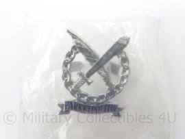 Nederlandse Parketpolitie kraag insigne - nieuw in verpakking - afmeting 3 ,5x 5 cm - originele set