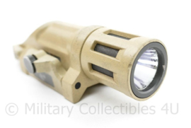 B&T weapon light gen II met infrarood functie - Coyote - werkend - heeft een scheurtje - picatinny rail - origineel