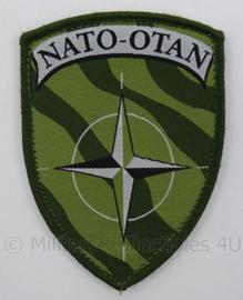 KL Landmacht NATO-OTAN embleem - met klittenband - afmeting 6,5 x 9 cm - origineel