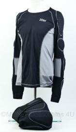 KMAR Marechaussee en Defensie motorrijders Xion Xtreme pro onderkleding ondershirt en broek- maat XL- origineel