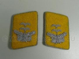 Luftwaffe Flieger of Fallschirmjäger officier Oberleutnant kraagspiegels geel