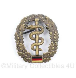 Bundeswehr geneeskundige dienst baret insigne metaal - origineel