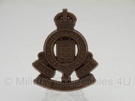 Royal Army Ordnance Corps  cap badge  - plastic 1943 uitvoering - met stempel - origineel WO2 Brits