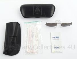 KL Landmacht zonnebril op sterkte - in MVD brillenkoker met logo - afmeting 15 x 6,5 cm - origineel