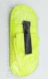 Britse Politie gele Taser koppelhouder - NIEUW in de verpakking - 24 x 11,5 x 1,5 cm - origineel