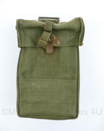 MVO Ministerie van Oorlog Basic Pouch borst tas - gestempeld 1958 - gebruikt - origineel