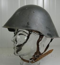 DDR helm - 3e model - jaren 70 / 80 - origineel