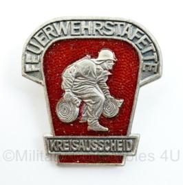 DDR speld Feuerwehrstafette Kreissausscheid zilverkleurig - origineel