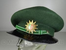 Duitse dames pet  Nordrhein-Westfalen maat 56 - topstaat