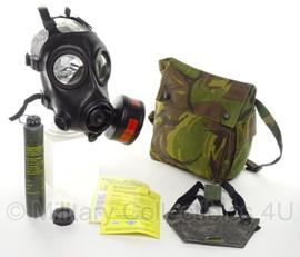 KL AMF12 Avon gasmasker met woodland tas en toebehoren - goede staat - maat 2 - origineel