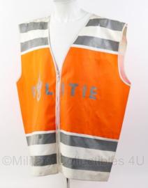 Politie kleding wit en oranje