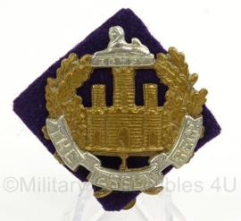 WO2 Britse baret of pet insigne The Essex Regiment met achtergrondje - afmeting 5 x 5,5 cm - origineel