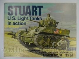 Armor Number 18 - Stuart light tank  - licht gebruikt