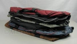 British Army Travelbag - meerdere kleuren - grote tas  -  60 x 25 x 35 cm - origineel