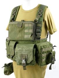 Defensie en Korps Mariniers Warrior Assault systems Chest Rig M4 groen met tassen -  origineel