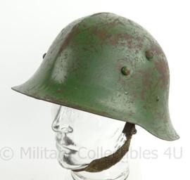 WO2 Bulgaarse M36 helm Type B met WO2 liner - met kinriem - maat 58 - origineel