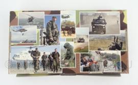 NL Defensie PIT Schrijfset - 25 enveloppen met papier - heel lichtblauw