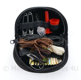 Defensie kleding reparatie set - naaisetje in handig etui - 10,5 x 6 x 2,5 cm