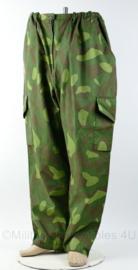 Finse leger camo broek - buikomtrek 88 cm- origineel