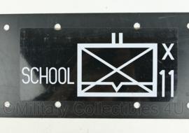 Defensie bord met pijl en tactisch teken - School x 11 -  60 x 20 cm - origineel