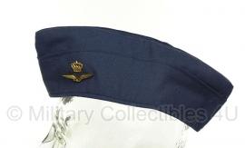 KLU schuitje met insigne 1990 - Hassing BV - maat 58 - origineel