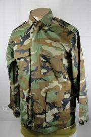 US Army of Korps Mariniers woodland uniform jas - replica - maat Small