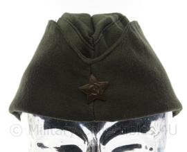 Russisch schuitje Donkergroen met USSR groene ster - maat 58 - origineel