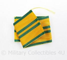 Nederlands medaille lint geel met groene strepen - 9 cm - origineel