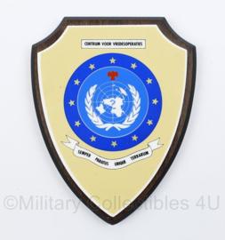 VN UN Centrum voor Vredesoperaties wandbord - Semper Paratus Ubique Terrarium - 18,5 x 14,5 x 1,5 cm - origineel