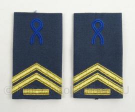 KLu Luchtmacht GLT epauletten rang Korporaal der 1e klasse Opleidingen - per paar - afmeting 5 x 9,5 cm -  origineel