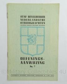 Staf Bevelhebber Nederlandsche Strijdkrachten Instructieboekje Oefeningsaanwijzing No 7 uit sept. 1945 - afmeting 15 x 23 cm - origineel