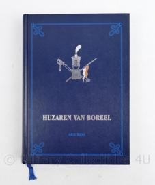 Defensie naslagwerk Huzaren van Boreel Arie Rens - 24,5 x 18 x 3 cm