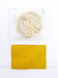 Defensie baret insigne KMA Koninklijke Militaire Academie  - nieuw in de verpakking - 7 x 5 cm - origineel