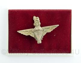 Britisch Parachute Regiment speld (klein model)in doosje - origineel