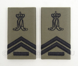 KLu Luchtmacht GVT epauletten rang Korporaal der 1e klasse Militaire Academie - per paar - afmeting 5 x 9,5 cm -  origineel