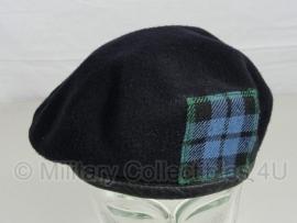 Britse baret donkerblauw met ruitembleem - maat 55 - origineel