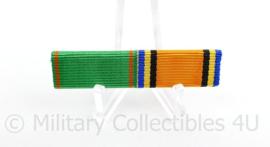 Nederlandse baton medailles Vrijwilligersmedaille Openbare Orde en Veiligheid en Huwelijksmedaille 2002  -  5,5 x 1,5 cm - origineel