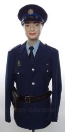 Nederlandse Gemeentepolitie Amsterdam uniform SET jasje, overhemd, stropdas, pet en koppel met holster - met originele insignes en medaille - brigadier - maat 52 - origineel