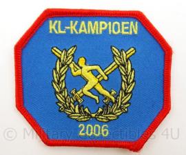 KL Landmacht sport embleem - KL kampioen 2006 - afmeting 8 x 7,5 cm - origineel