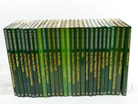 Serie naslagwerken - De Tweede Wereldoorlog - 28 boeken - origineel