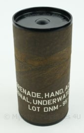 Koninklijke Marine houder voor grenade acoustic signal underwater - 16,5 x 8 cm - origineel