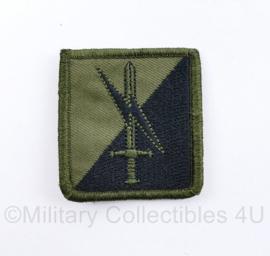 Defensie eenheid borst embleem  - met klittenband - 5,5 x 5 cm - origineel