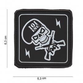 Embleem 3D PVC Skulls & Guns  -  klittenband - 6,3 x 6,3 cm - Zwart