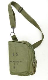US Army gasmaskertas Vietnam oorlog - mask protective field M17 - 18 x 25 x 9 cm -origineel
