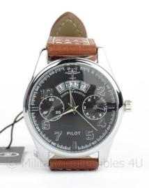 Pilot watch - horloge met bruine band