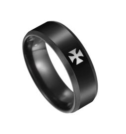 Moderne zwarte ring met Duits Kruis - size 8