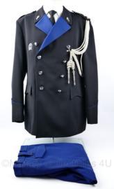 KMAR Koninklijke Marechaussee DT uniform met nestelkoord en brevet  - maat 58 - grote maat - Rang Kapitein - origineel