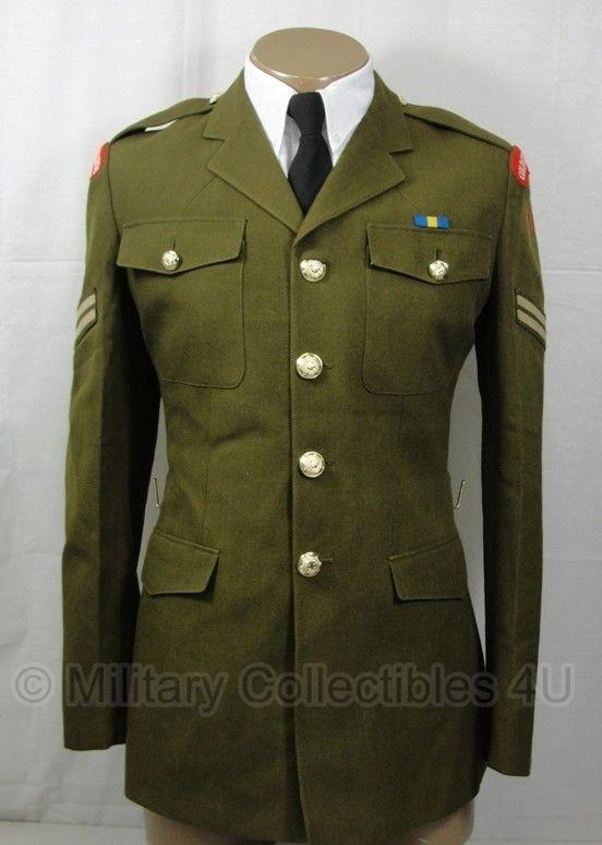 Britse uniform jas groenbruin met insignes  -  origineel