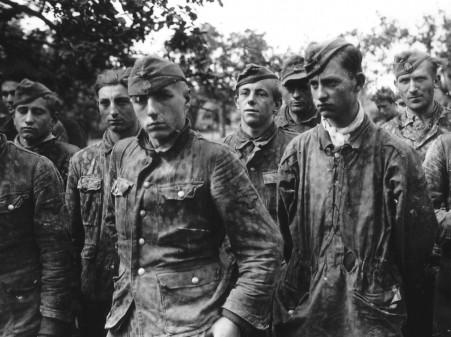 germanprisonersss-panzerdivision.jpg